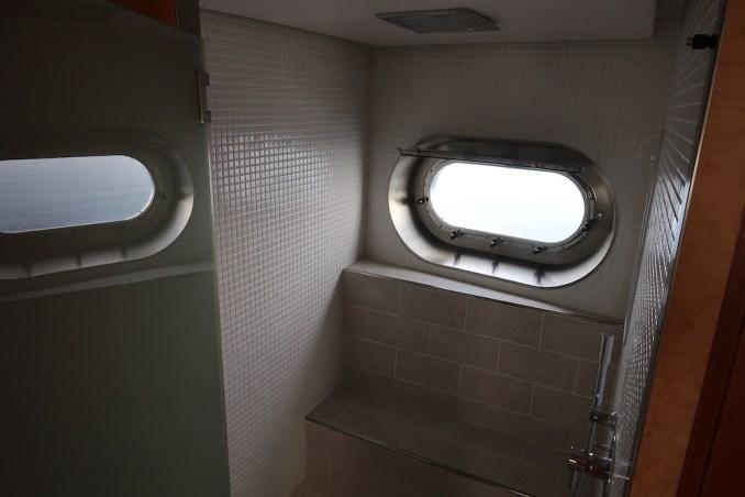 SONEVA IN AQUA: MASTER BEDROOM (SHOWER)