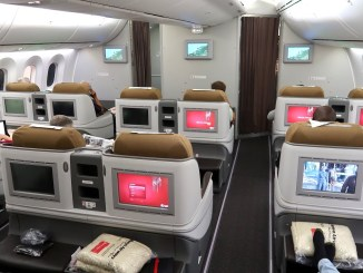 kenya airways boeing 787 dreamliner business class review trip report