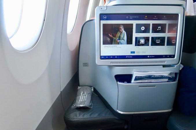 LUFTHANSA A350 BUSINESS CLASS SEAT