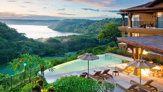 RAINFOREST & BEACH ADVENTURE IN COSTA RICA