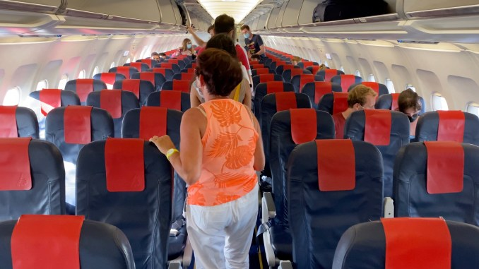 BRUSSELS AIRLINES A319 CABIN