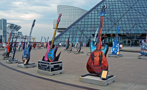 Rock & Roll Hall Of Fame Macguffin Men