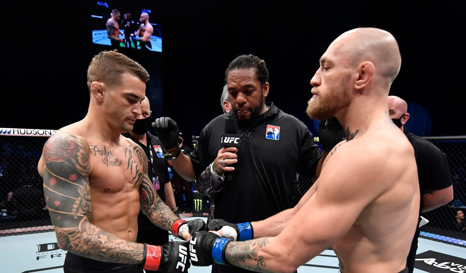 """Conor McGregor tells Dustin Poirier: """"I'll be in the middle from the very go if you want it"""" thumbnail"""
