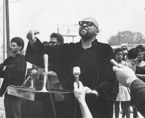 Maulana-Karenga-speaking-Malcolm-x-birthday-rally