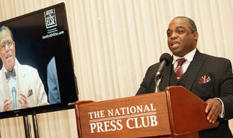 man-speaking-national-press-club