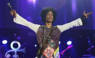 prince-performing