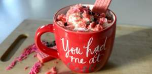Here is a Sweet Cream and Cookie Coffee recipe that I came up with for Valentine's Day! It's as delicious as it is beautiful!