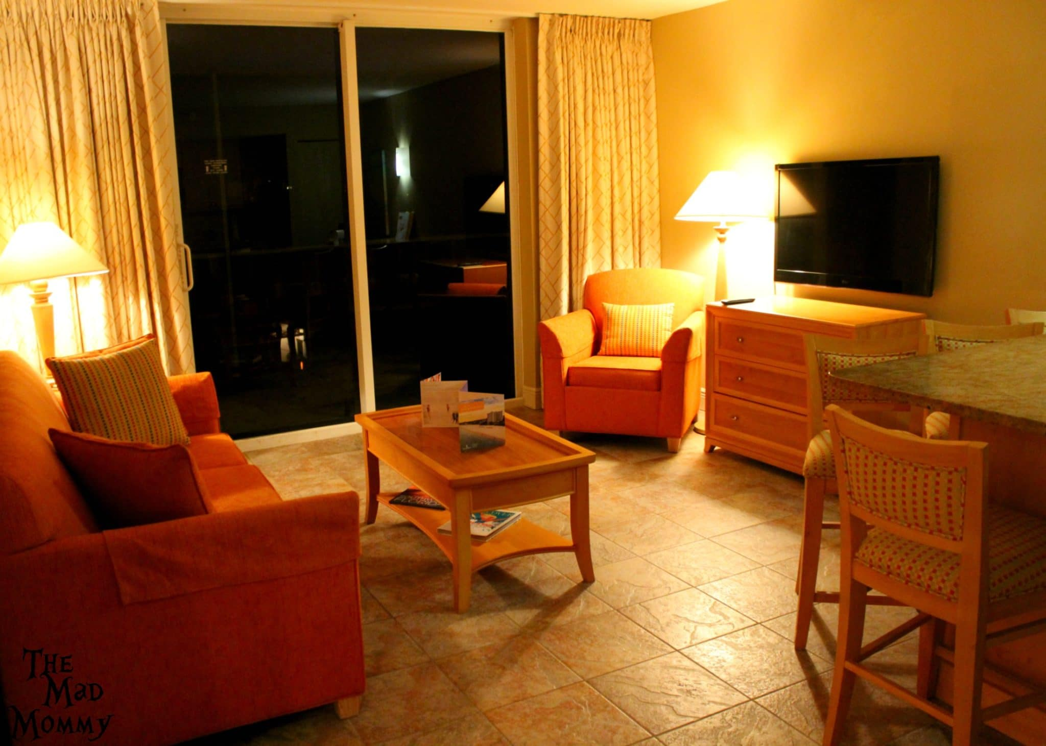 Living-area in the one bedroom suite at the Diamondhead Beach Resort.