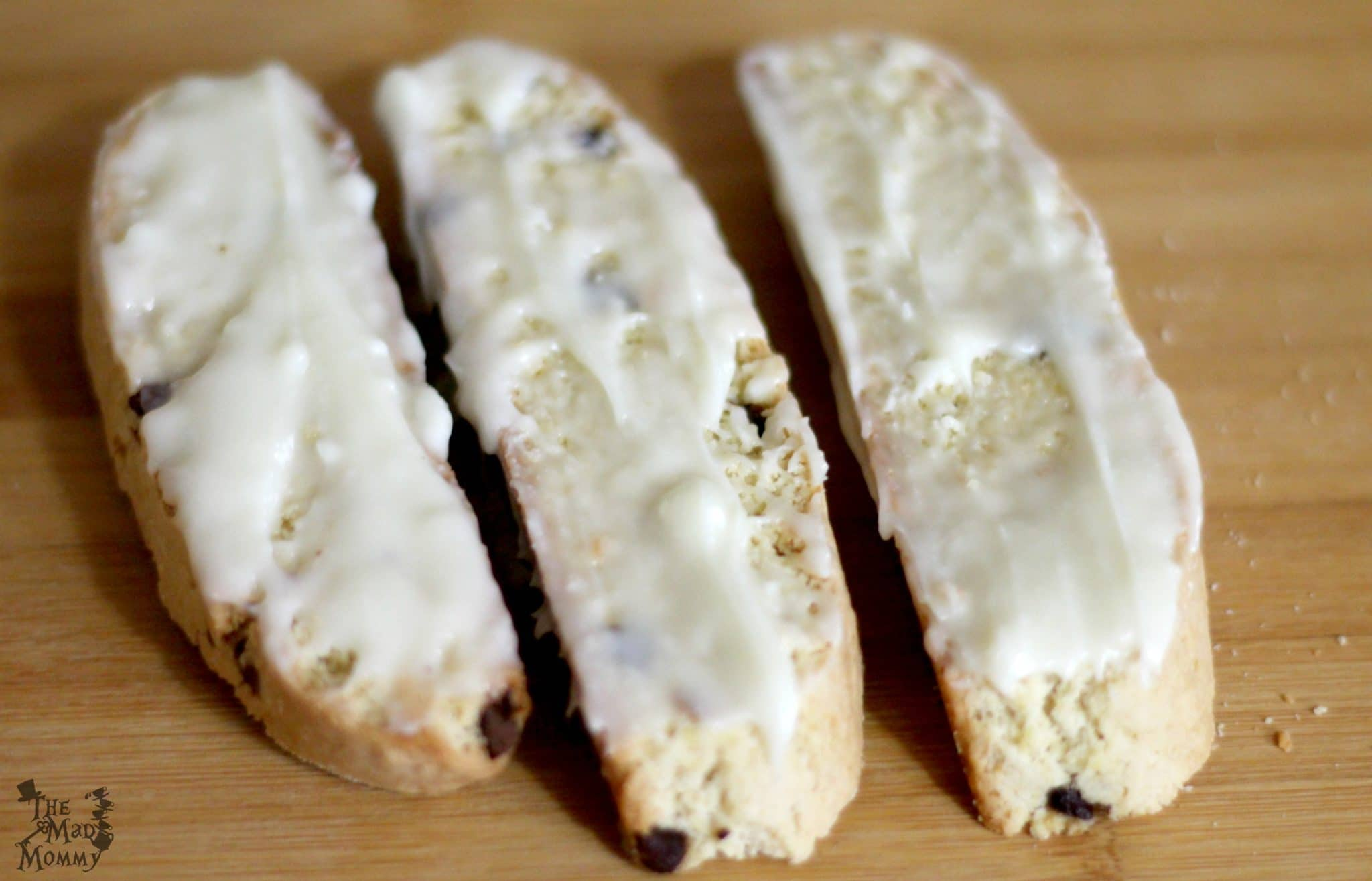 White chocolate is the perfect finishing touch to this baked biscotti recipe. #AD #AToraniHalloween
