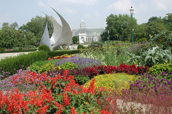 Franklin Park Conservatory and Botanical Gardens is a premier botanical landmark and cultural attraction featuring exceptional plant collections and gardens, seasonal art- and nature-based exhibitions, and a dynamic array of educational opportunities and special events for visitors of all ages.