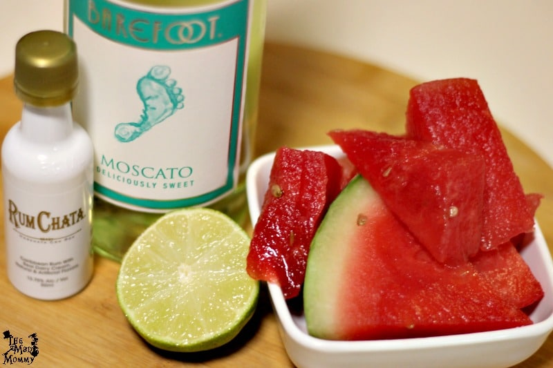 Here are the ingredients for this Boozy Watermelon Smoothy!