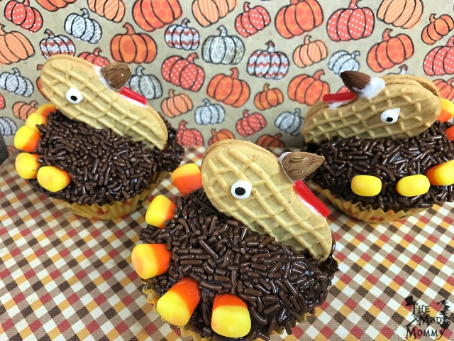 I make sure that the recipes I try or the recipes that I come up with take very little time or effort, but deliver maximum success! It makes you feel good, because your guests love it and it makes your guests feel good, because you made a special treat for them. A special treat like these adorable, but simple, Nutter Butter Turkey Cupcakes.