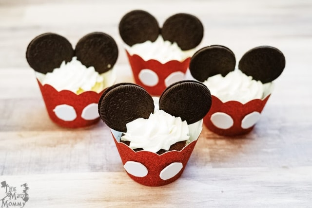 You place these in an airtight container for storage, set them up and serve right away or, put them in a cupcake carrier and head to Disney on ICE!