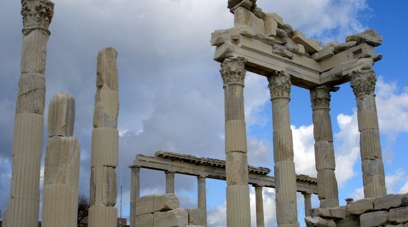 pergamon-ruins-turkey-4