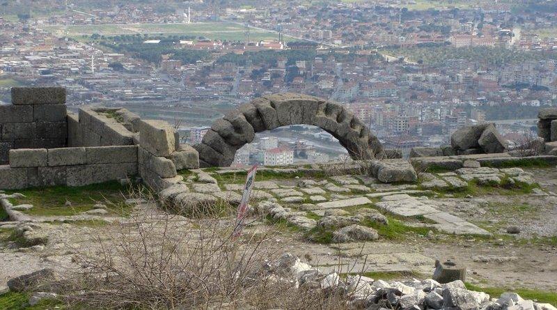 pergamon-ruins-turkey