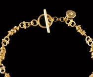 22ct gold ring and bar clasp