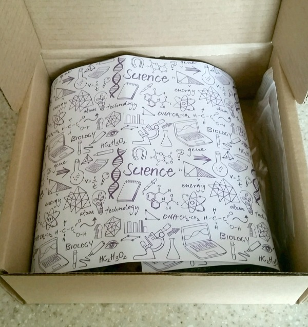 Stem Box subscription kit for tween girls reviewed by The Maker Mom.