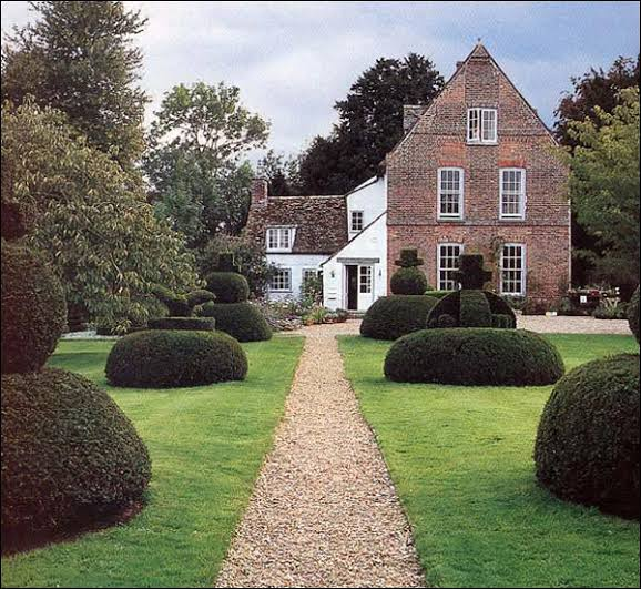 The Manor House 013