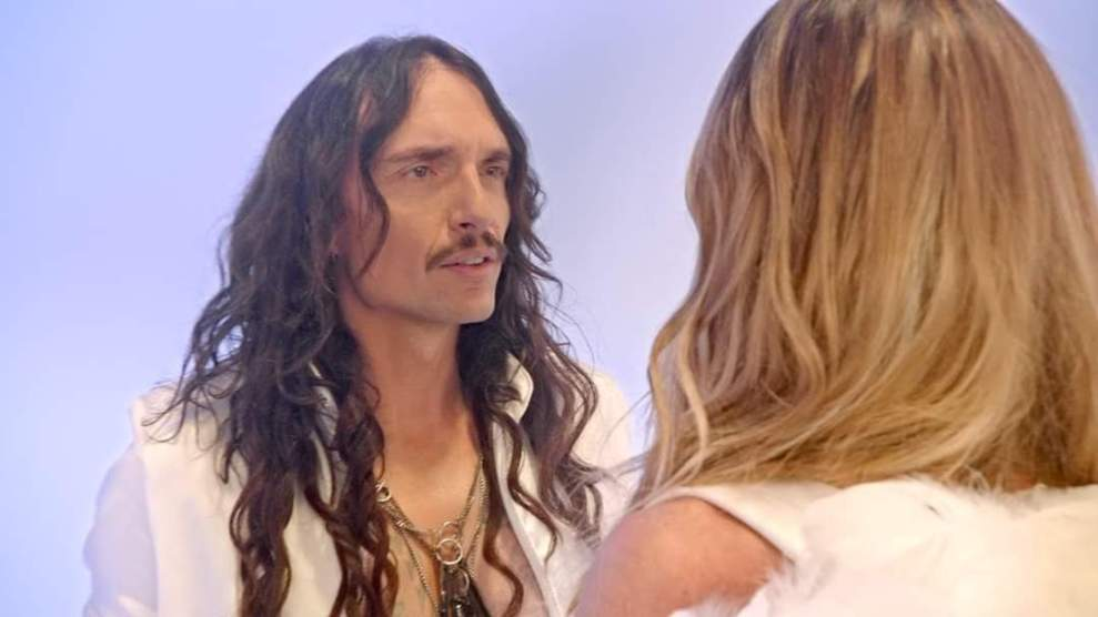 "Ny Video: The Darkness ft Abbey Clancy- ""In Another Life""."