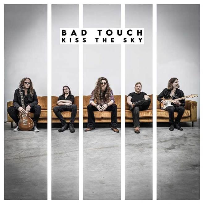 "Ny Video: Bad Touch – ""Strut""."