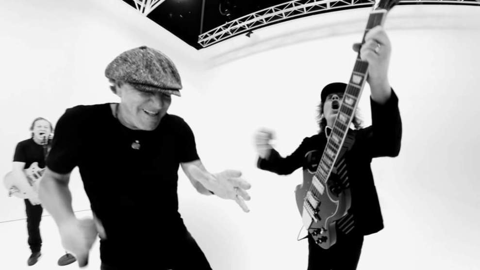 "Ny Video: AC/DC – ""Realize""."
