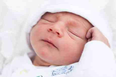 newborn sleeping, rooming in