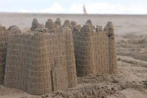 New River Beach sand sculpture competition to become wall-building project
