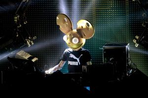 Deadmau5 can't see through stupid mask, agrees to play in Halifax by mistake