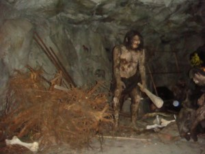 Sculptor unearths living cave person, specimen finds adjusting to life in NB 'surprisingly easy'