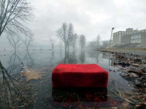 Man proposes province line St. John River with sponges to combat flood