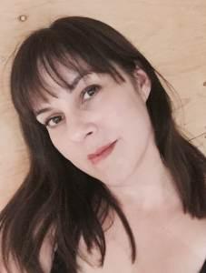 Julie headshot