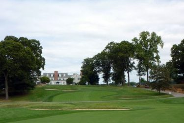 PIPING ROCK CLUB