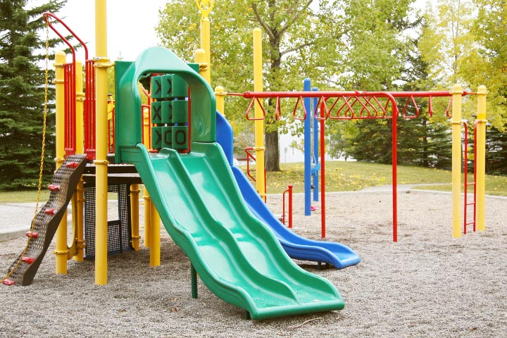 You don't have to climb through tiny tunnels to play with your child at the park. This simple playground obstacle course is a great way to connect with your child and encourage them to get moving and learning in a playful way!