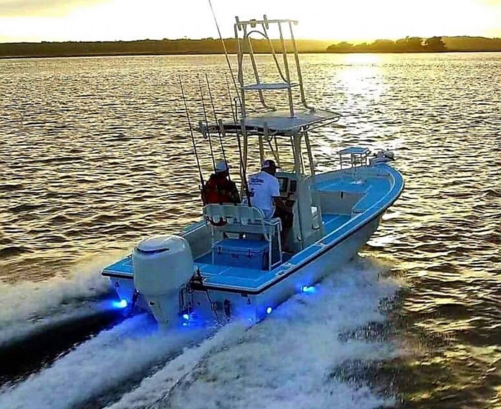 hight resolution of although underwater boat lights are not an essential component of your boat they are still an excellent investment that adds value to your boat