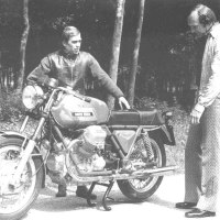Mike Hailwood and Guzzi V7.