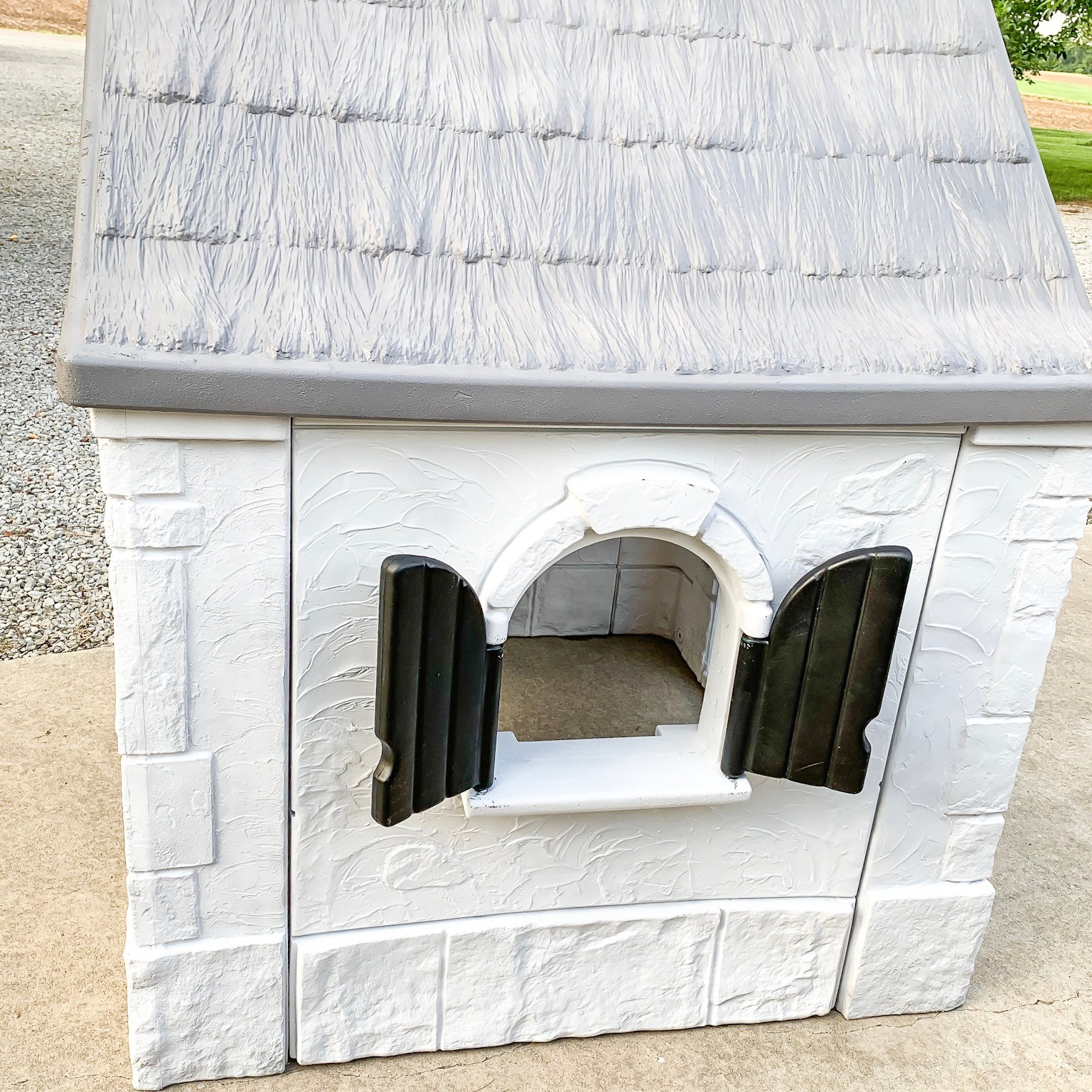 How to paint a plastic playhouse