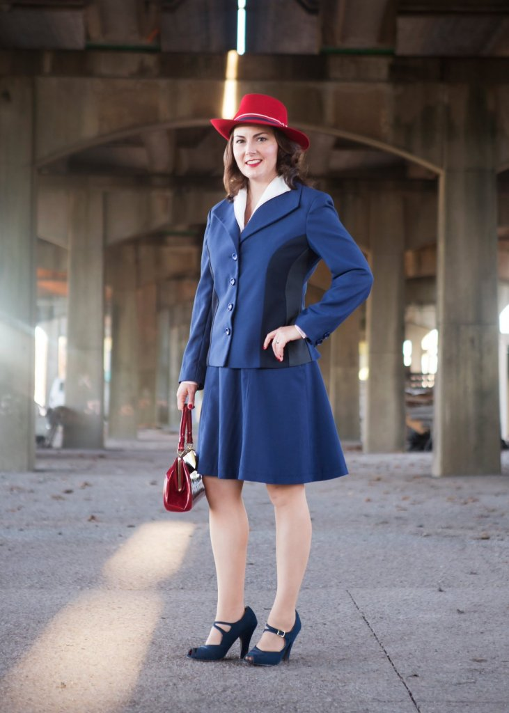 Jenny cosplaying as Agent Carter. (Photo credit: Amy Whitt Photography.)