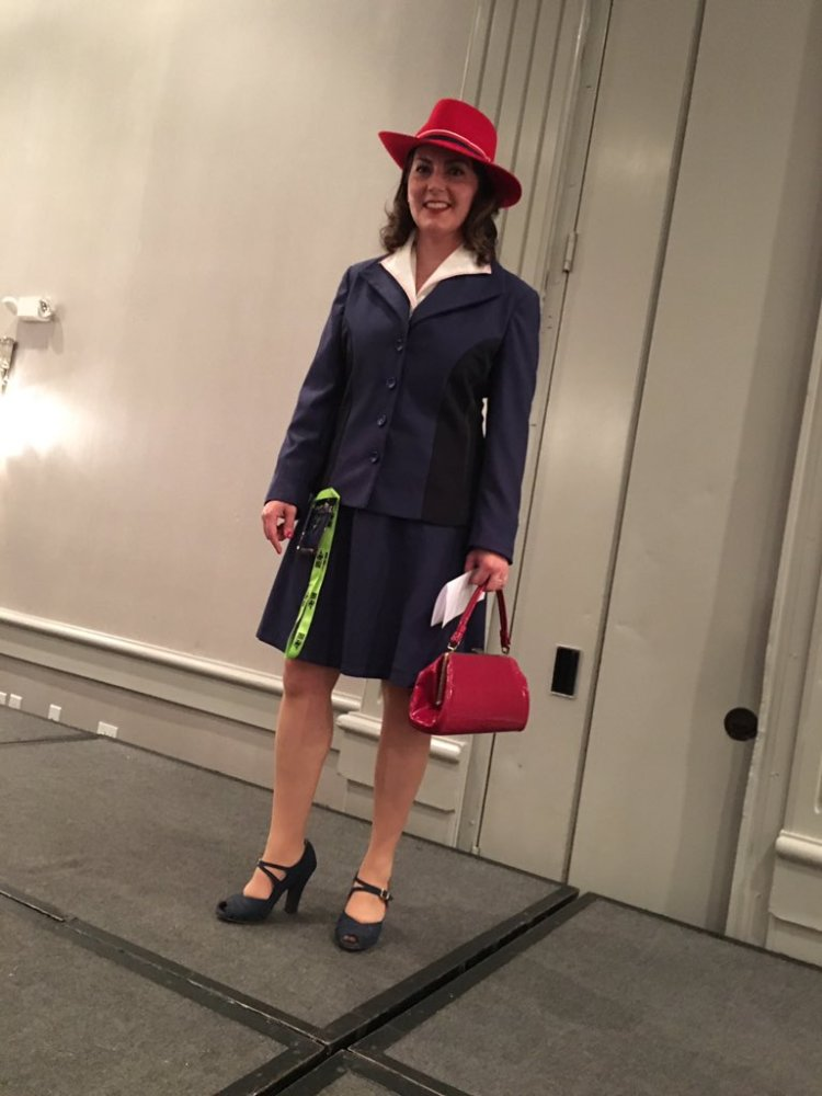 Jenny cosplaying as Agent Carter.