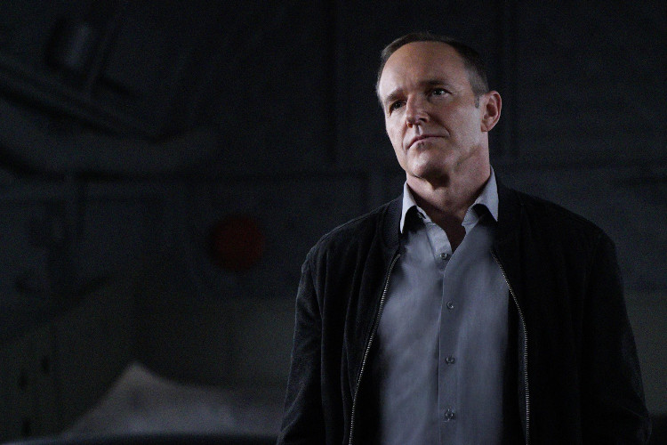 """Agents of SHIELD 4.21 Review: """"The Return"""""""