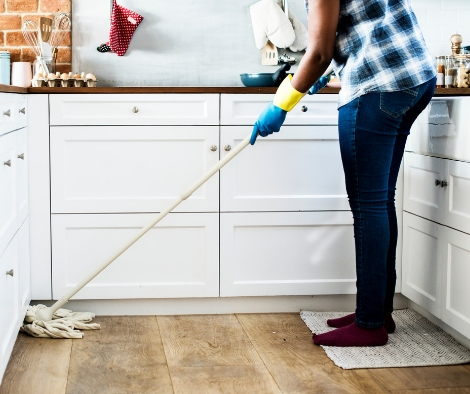 4 ways not to clean your wood floor