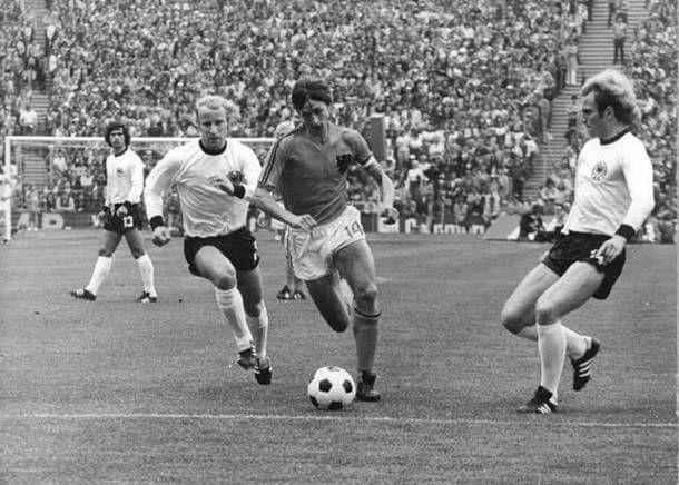 Τελικός: Ολλανδία - Δυτική Γερμανία 1 – 2. (από αριστερά προς δεξιά) Γκερντ Μύλερ, Μπέρτι Φογκτς, Γιόχαν Κρόιφ & Ούλι Χένες. 7/7/1974.
