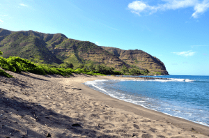best Hawaiian islands for kids molokai