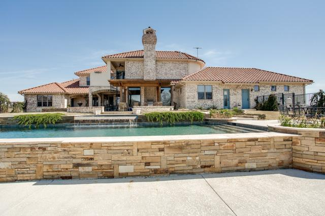 Mediterranean Style Acreage Property in Heath Texas