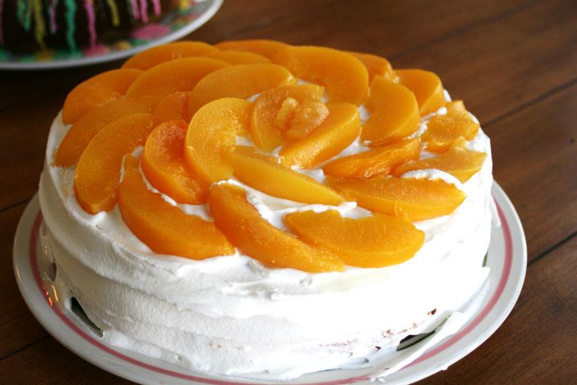 Peaches n' Cream Cake