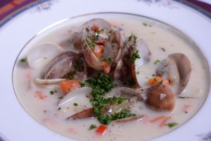 'Cuick' Clam Chowder