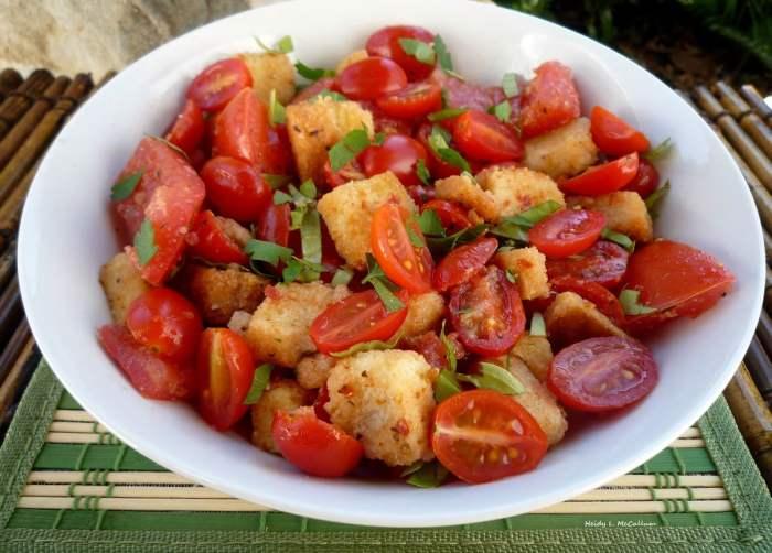 Panzanella (Tuscan Salad)