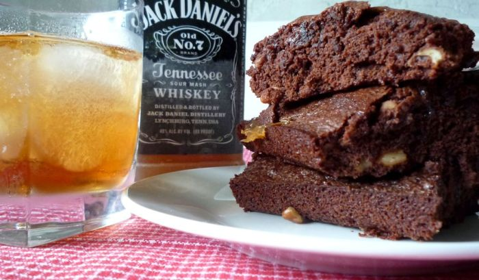 Jack Daniel's Caramel Brownies are rich and fudgy brownies with a hint of Jack Daniel's old #7 whiskey Ⓡ Jack Daniel's Pecan Caramel Fudge Brownies are the quintessential adult dessert. Do these brownies combine pecans, thick caramel, dark chocolate, and one of our favorites adult beverages Jack Daniel's old #7 whiskey Ⓡ What could be more fun and tasty combination for your Adult guests?