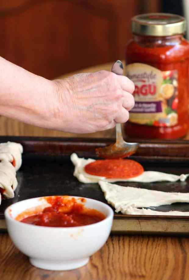 easy-peasy-pepperoni-rolls-with-ragu-sauce-4