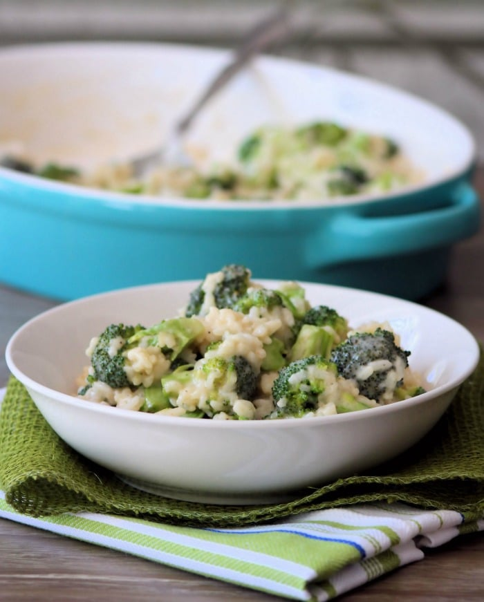 Are you looking for a simple homemade, deliciouslycreamy, side dish for Broccoli and Rice packed with flavor, that doesn't require a ton of work?Broccoli Alfredo Rice is one of those dishes that fit all those needs and won't heat up the kitchen this summer. It's a perfect side for chicken, fish, or even pork.