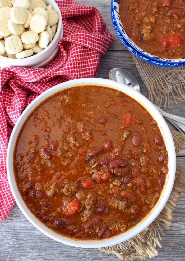 This Wendy's Copycat Chili is one of the best renditions you'll eat to date. It truly satisfies even the biggest Wendy's Chili Fan. Made from lean ground beef, kidney beans, pinto beans, tomatoes, onions, green chilis, and the perfect amount of spice.